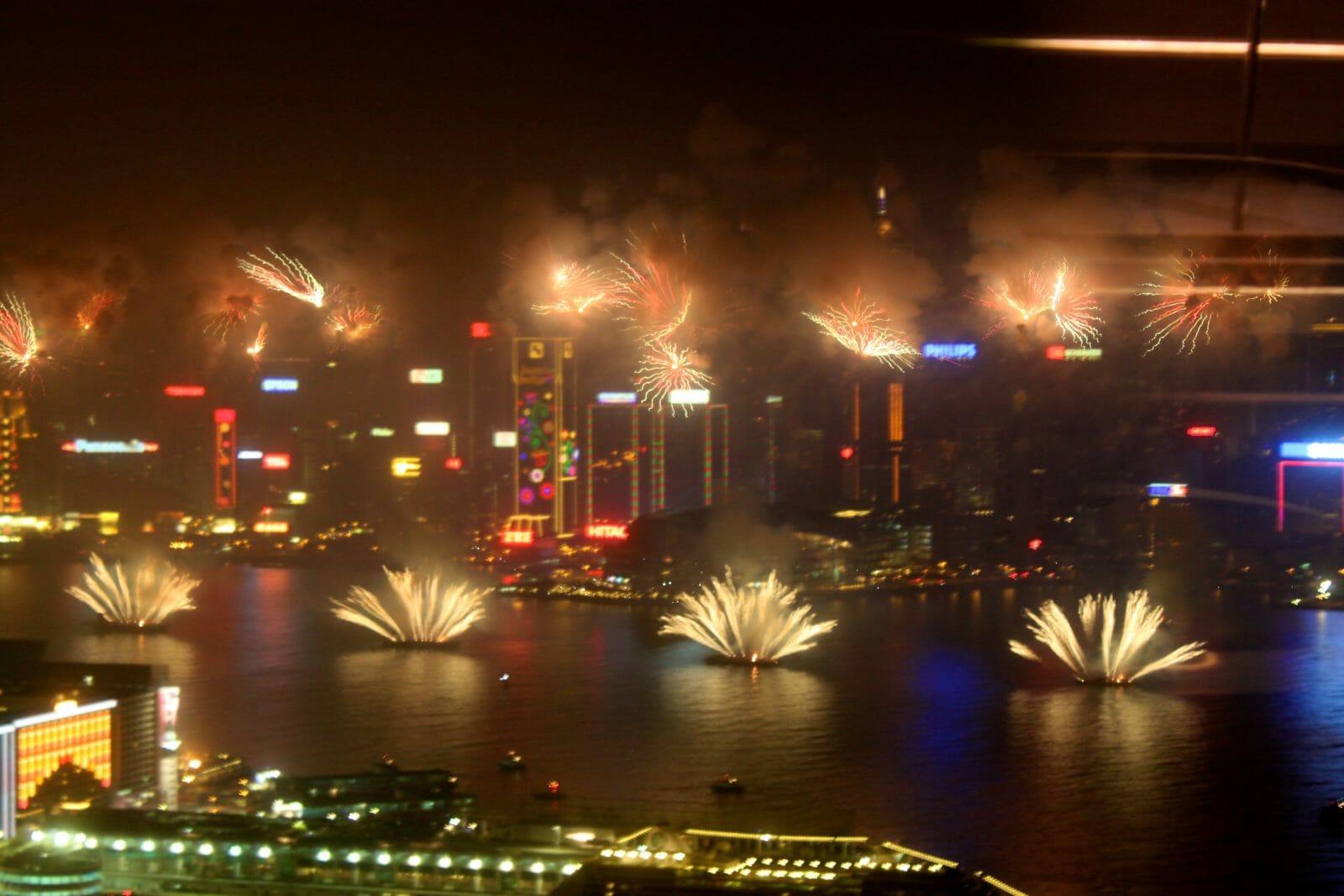 Chinese Calendar Year Zero : Hong kong new years eve harbour cruise
